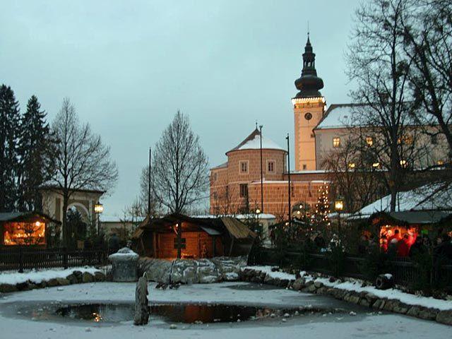 Herzlich Willkommen in Kefermarkt -Kefermarkt ist mit dem Flügelaltar und dem Schloss Weinberg ein bedeutender Kulturort geworden - Kefermarkt Oberoesterreich