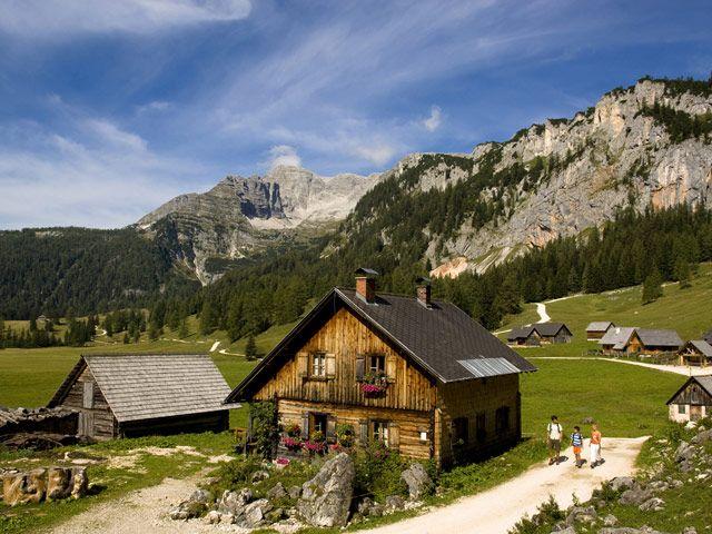 Bild: Amrisnerhütte am Teichlboden auf der Wurzeralm, mit dem Blick Richtung Warschenck - Pyhrn-Priel Upper Austria