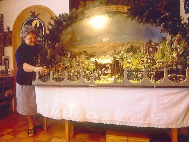Ein liebenswerter Brauch: Das Krippenschaun - Traunkirchen Oberoesterreich