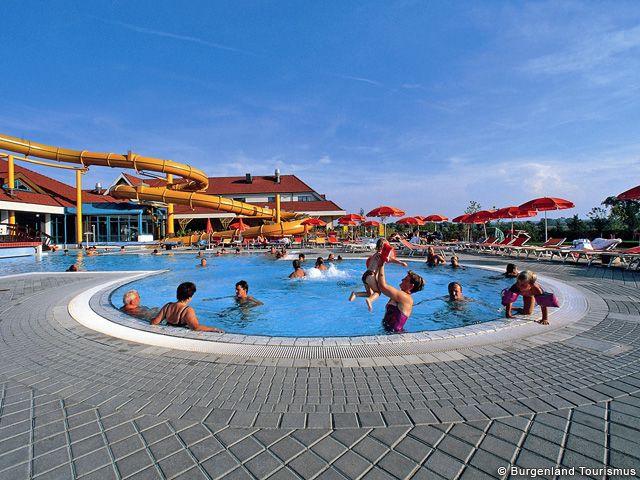 Erlebnisbad für Groß und Klein im Burgenland - Burgenland