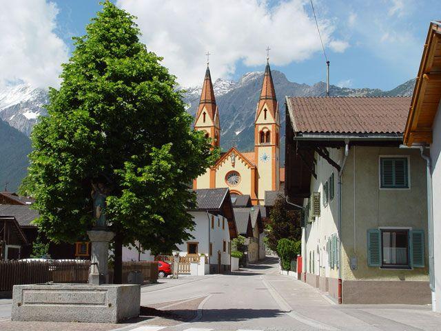 Rosengasse in Telfs am Sonnenplateau Mieming & Tirol Mitte - Telfs Tirol