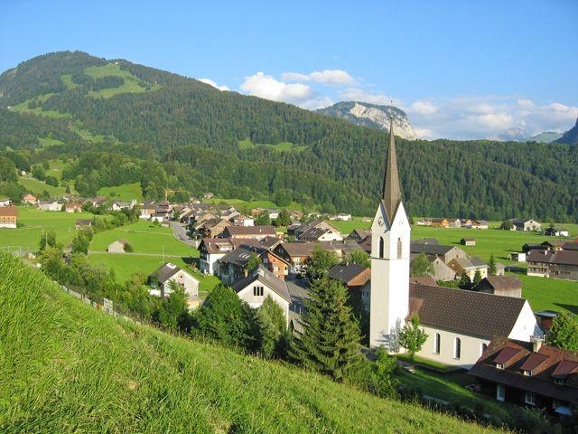 Bizau - das Dorf inmitten des Bregenzerwaldes gelegen, lädt Sie zu Ferien in Harmonie und gesunder Umwelt ein. Wir freuen uns auf Sie! - Bizau Vorarlberg
