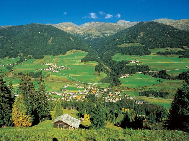 Holiday Pleasures - A southern view of lovely Abfaltersbach - Abfaltersbach Tirol