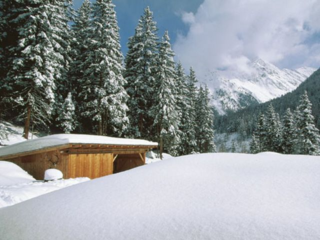 Mountain lodge, winter impression - Kuehtai  -  Sellraintal Tirol