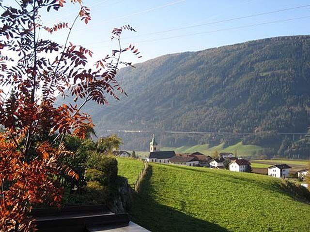 Blick auf St. Peter von Ferienwohnungen Hölzl aus - Ellboegen Tirol