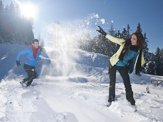 Glitzernder Schnee, kristallklare Bergluft und weiße Bilderbuchlandschaften sind die idealen Voraussetzungen, um neue Kraft und Energie zu tanken. - Kufstein Tirol