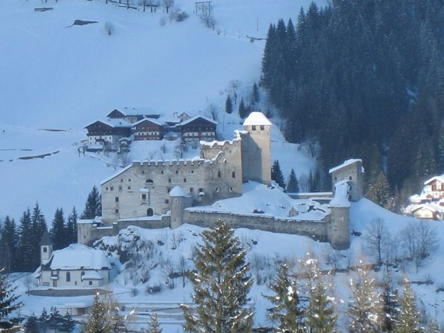 HEINFELS - IN THE DOLOMITES' GARDEN Image for photo gallery - Heinfels Tirol