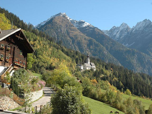Wallfahrtskirche Kaltenbrunn, Abzweigung Weiler Platz Sonntagsmessen, Wallfahrten und Nachtwallfahrt - Kauns Tirol
