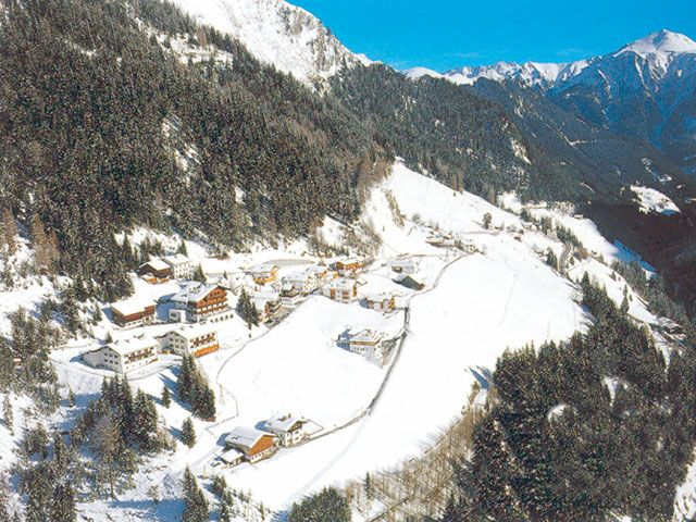 Spiss - Austria's highest village at the sunny side of the Samnauntal valley. - Spiss Tirol