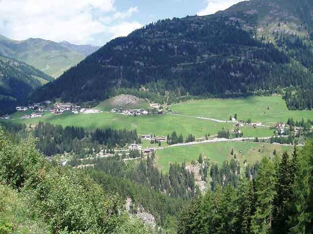 Located an altitude of 1,653m, Spiss is the highest village at the sunny side of the Samnauntal valley. - Spiss Tirol