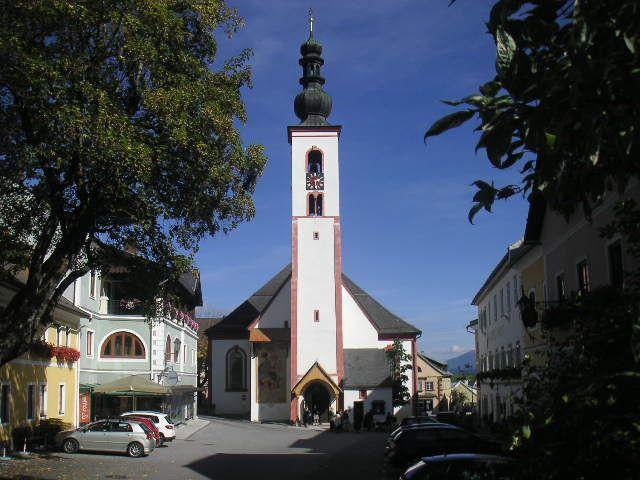 Der Marktplatz mit der Pfarrkirche! - Mauterndorf Salzburg