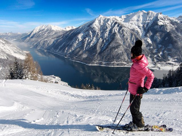 Skiing with a view in the Achensee Region. - Achensee Region Tirol