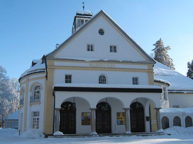 Eingang Kurhaus Winter - Bad Toelz Bayern