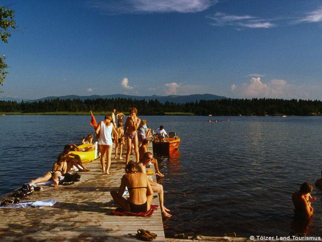 Badevergnügen am Kirchsee - Toelzer Land Bayern