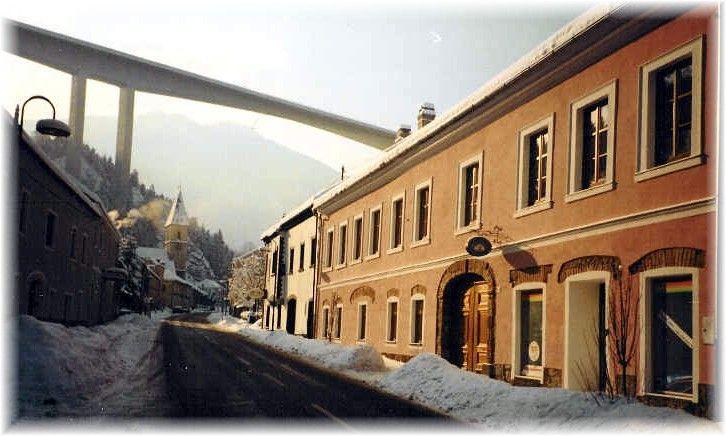 Hausfront Winter - Ferienwohnungen Manuela Schottwien