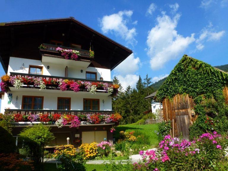 Gästehaus Gamsjäger im Sommer