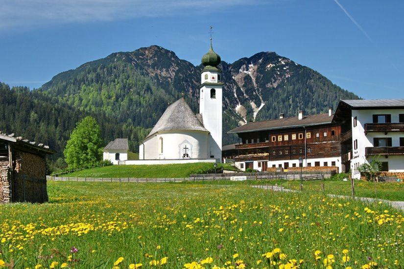Idyllisches Kirchdorf Thierbach Wildschönau Tourismus FG H. Schmid - Wildschoenau - Thierbach Tirol