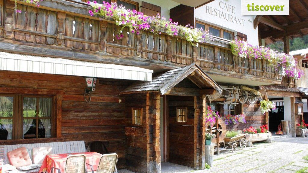 Aussenansicht im Sommer - Hotel Gletscherblick Kaunertal