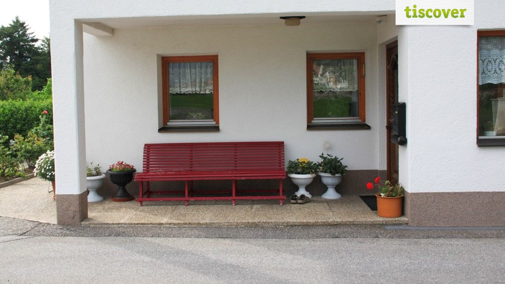 View from outside In summer - Haus Santner Maurach am Achensee