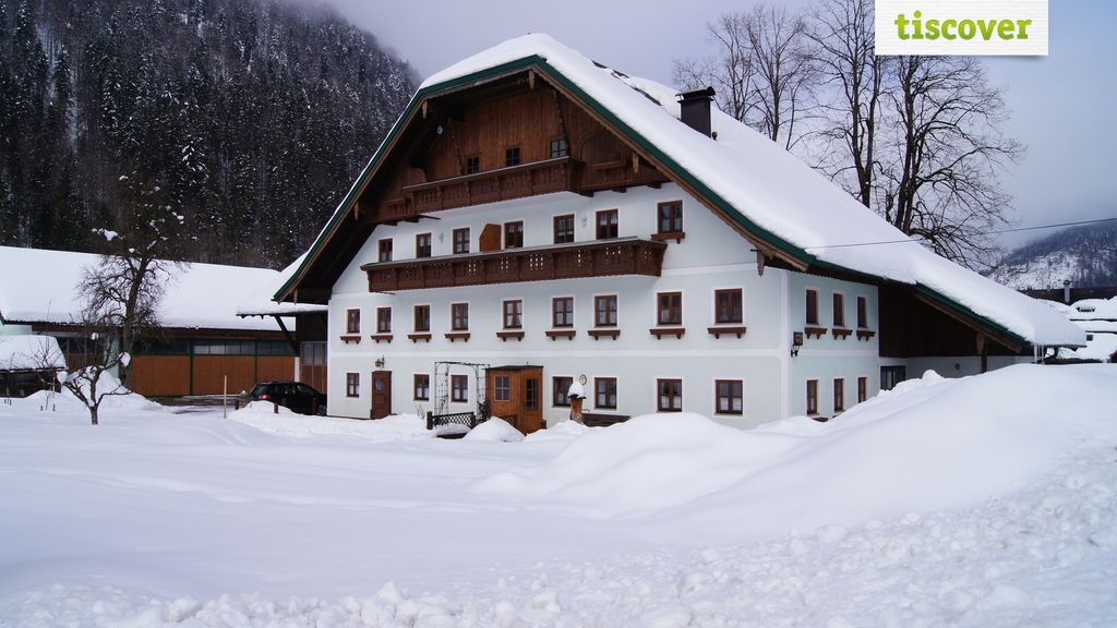 View from outside In winter - Hauserbauer Hintersee