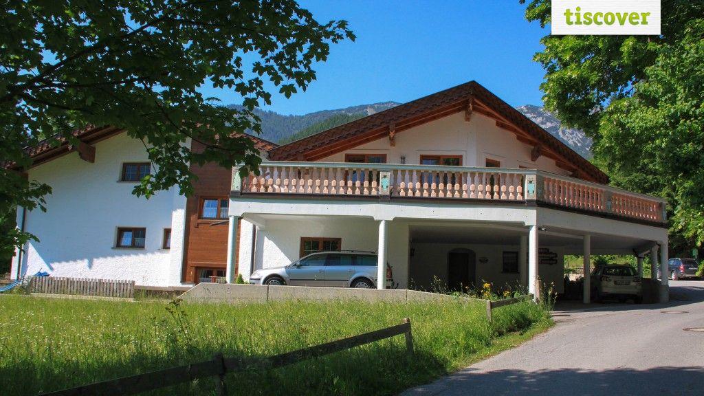 View from outside In summer - Ferienwohnungen Haaser Maurach am Achensee