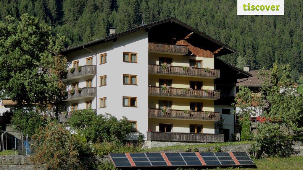View from outside In summer - Pension Alpenrose im Virgental in Osttirol Praegraten am Großvenediger