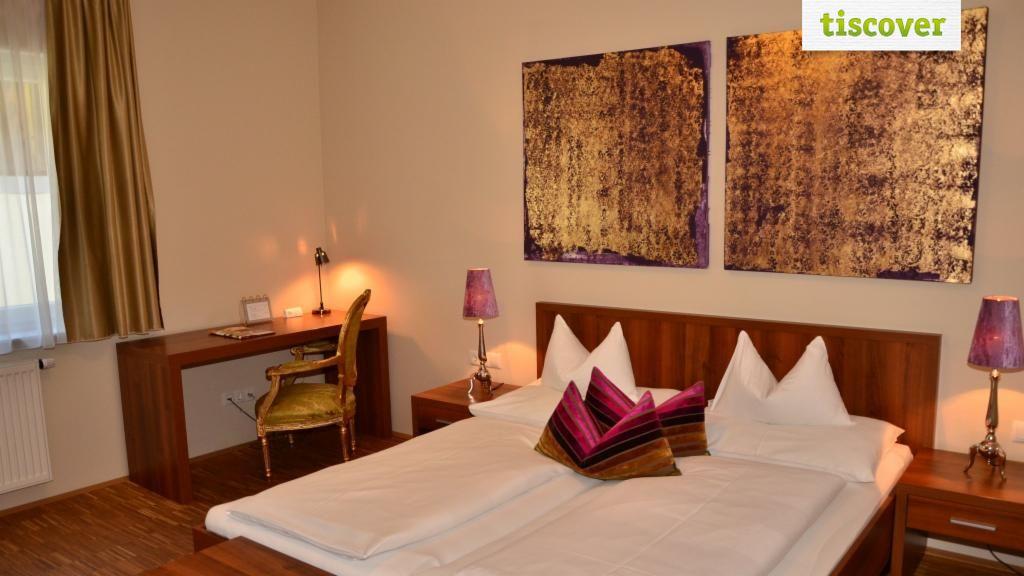 Double Room (Standard)  - Pfeiler's Buergerstueberl Hotel Feldbach