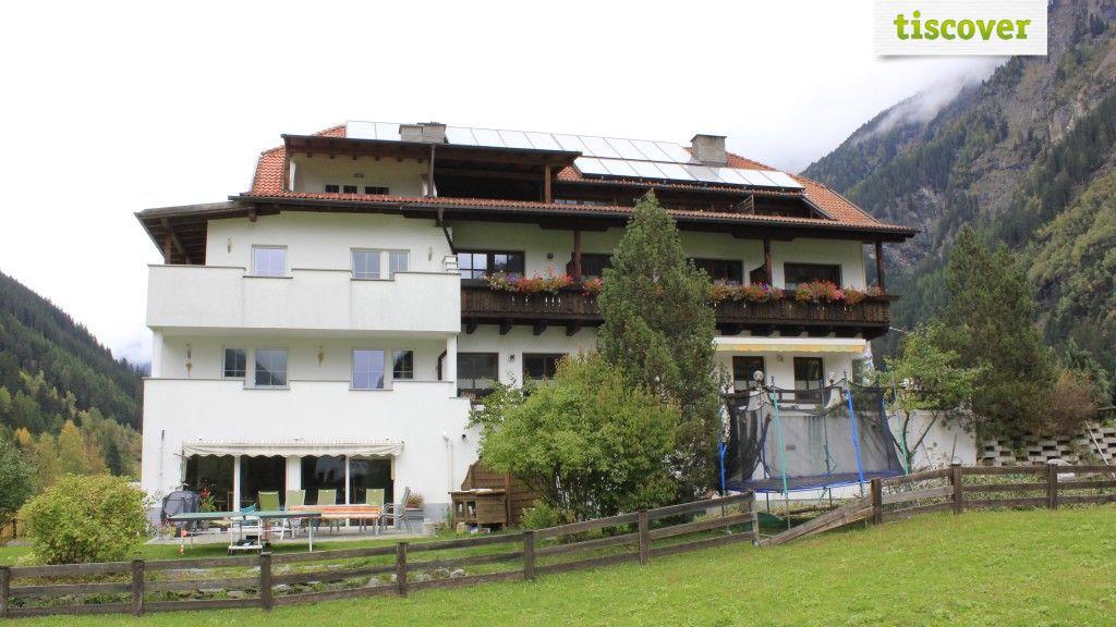 Aussenansicht im Sommer - Hotel Sonnenhof Kaunertal
