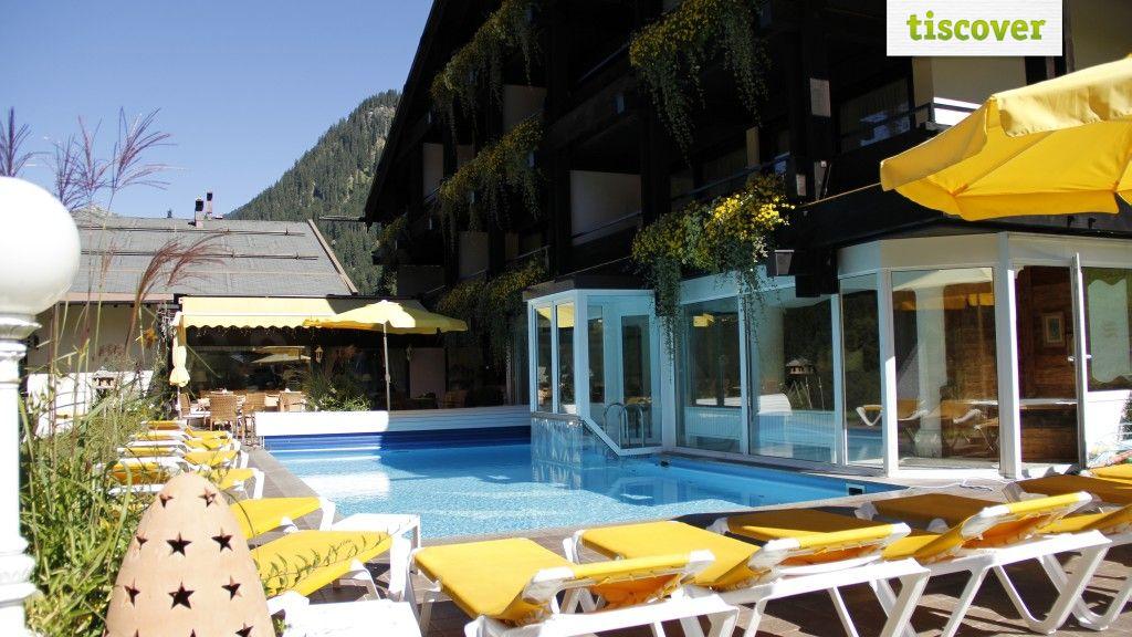Aussenansicht im Sommer - Hotel Pfeifer Gaschurn-Partenen