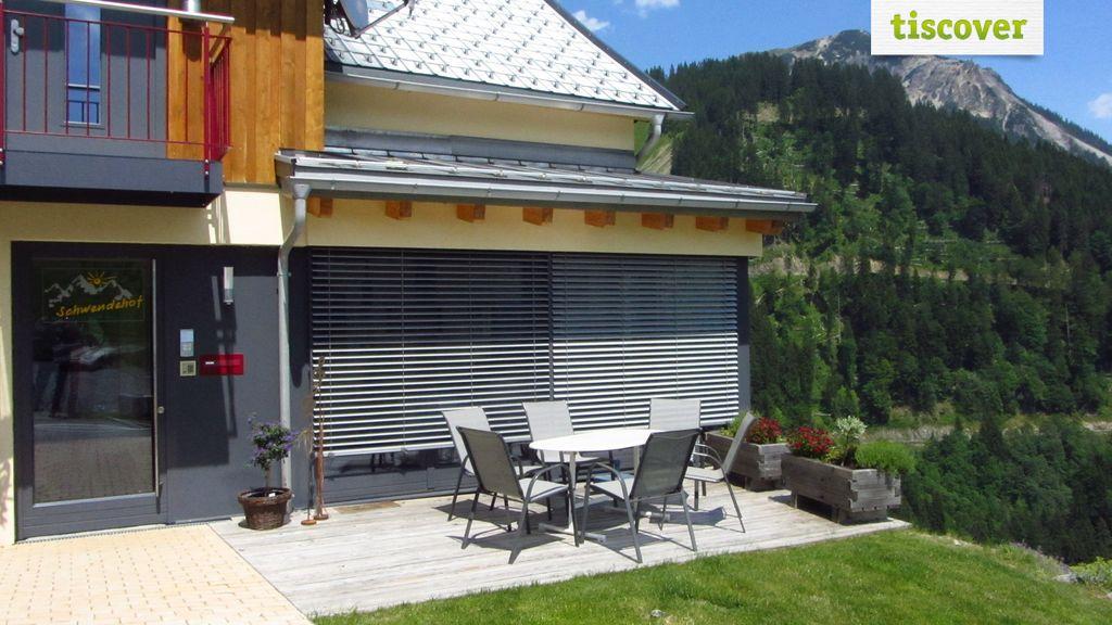 Aussenansicht im Sommer - Ferienhaus Schwendehof Fontanella/Faschina