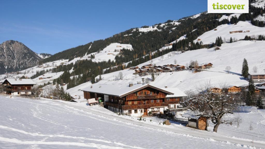 Aussenansicht im Winter - Ferienhaus Larch Alpbach Alpbach