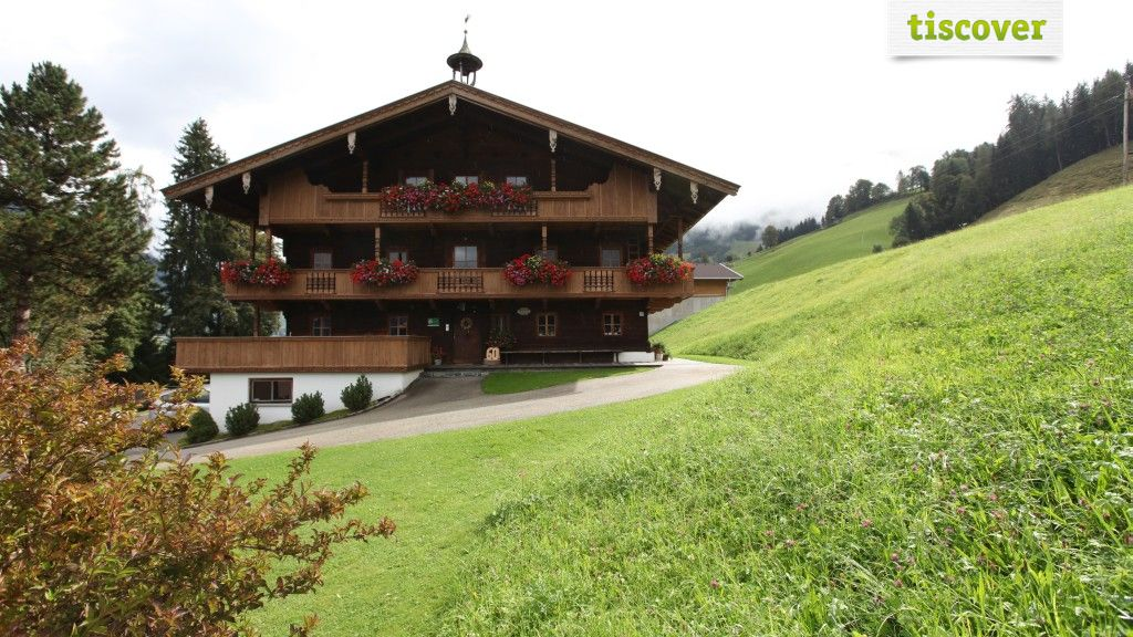 View from outside In summer - Gasteighof Reith im Alpbachtal