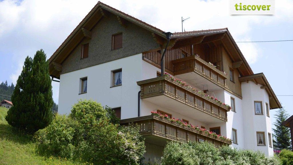 Aussenansicht im Sommer - Haus Schrofenblick Jungholz