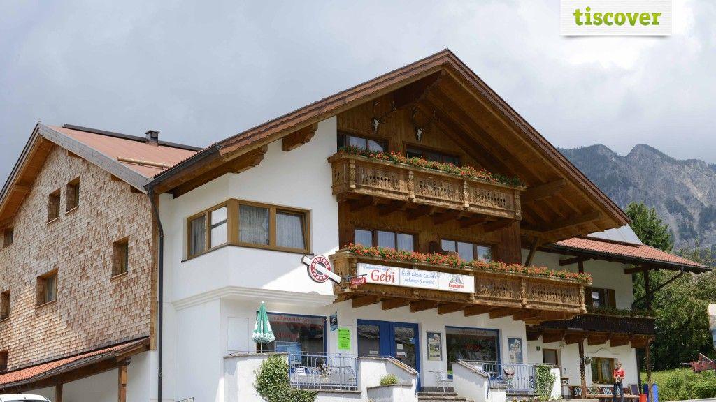 View from outside In summer - Gaestehaus Schaedle Gebhard Graen-Haldensee