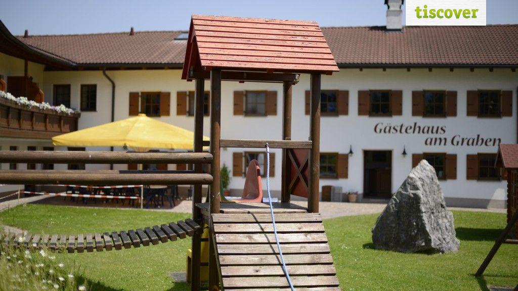 Aussenansicht im Sommer - Gaestehaus am Graben Reutte