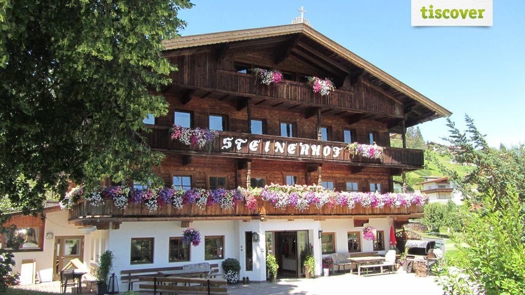 Aussenansicht im Sommer, Steinerhof
