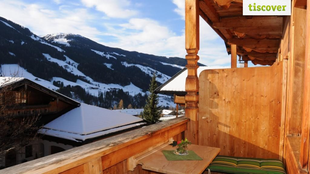 View from outside In winter - Haus Postfeld Alpbach