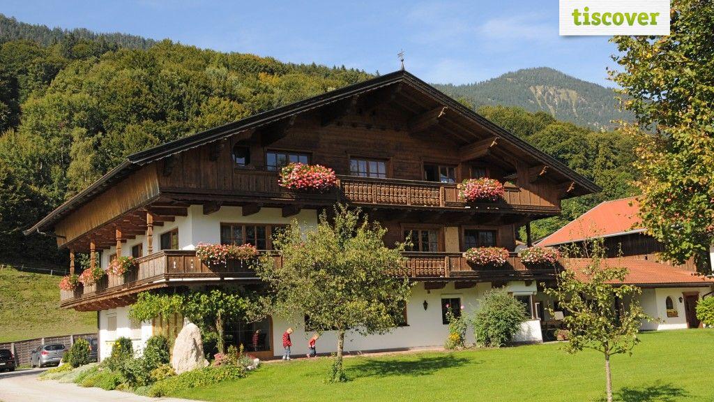 View from outside In summer - Ferienwohnungen Paulinghof Breitenbach