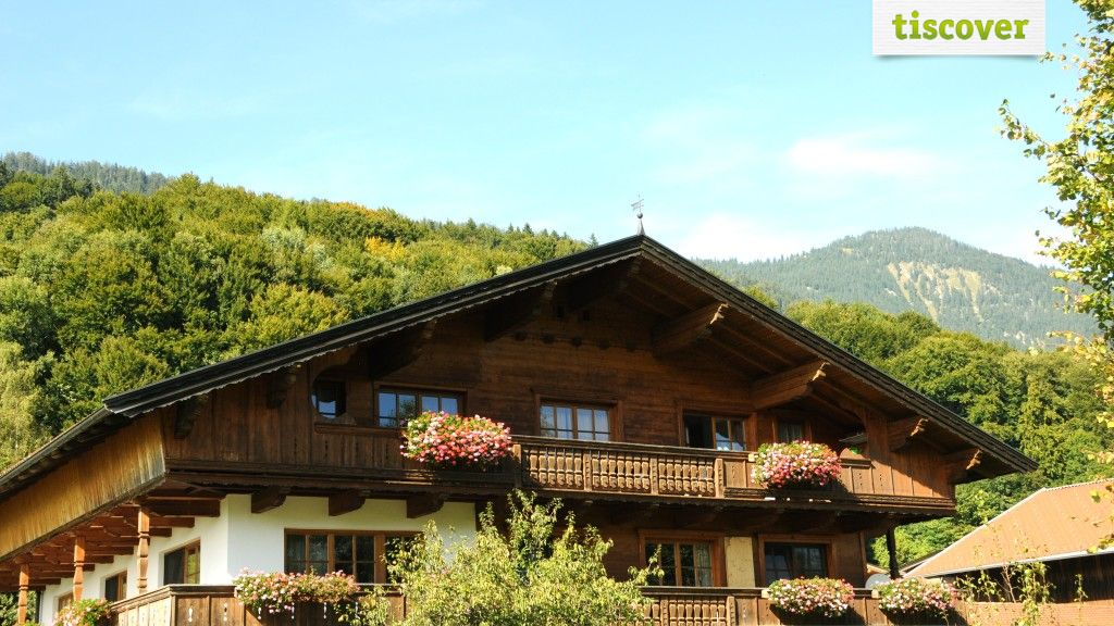 Aussenansicht im Sommer - Ferienwohnungen Paulinghof Breitenbach