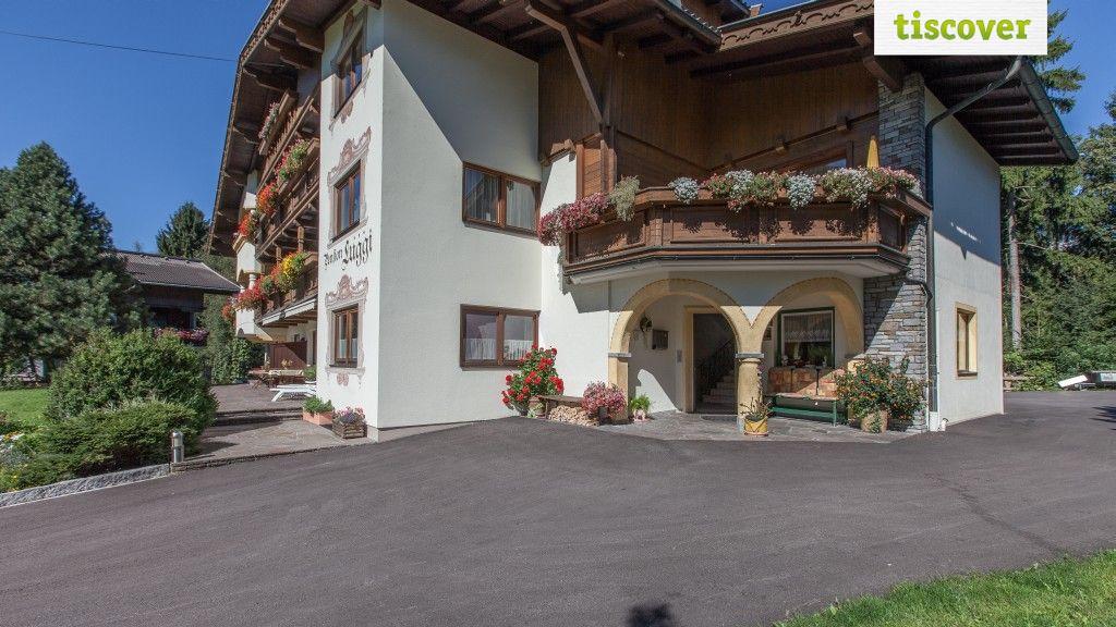 Aussenansicht im Sommer - Pension Luggi Reith im Alpbachtal
