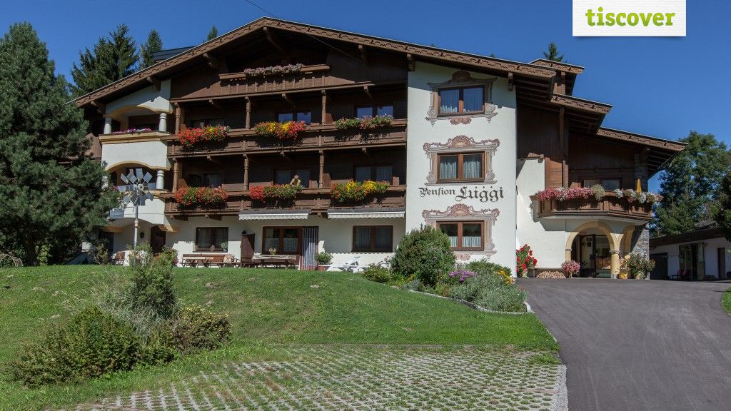 View from outside In summer - Pension Luggi Reith im Alpbachtal