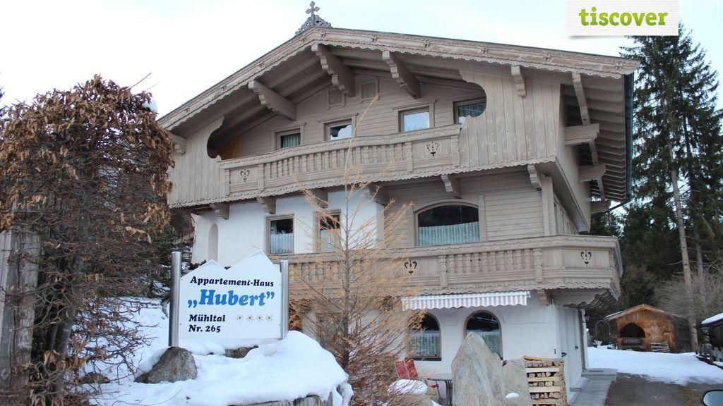 Aussenansicht im Winter - Appartementhaus Hubert Wildschoenau
