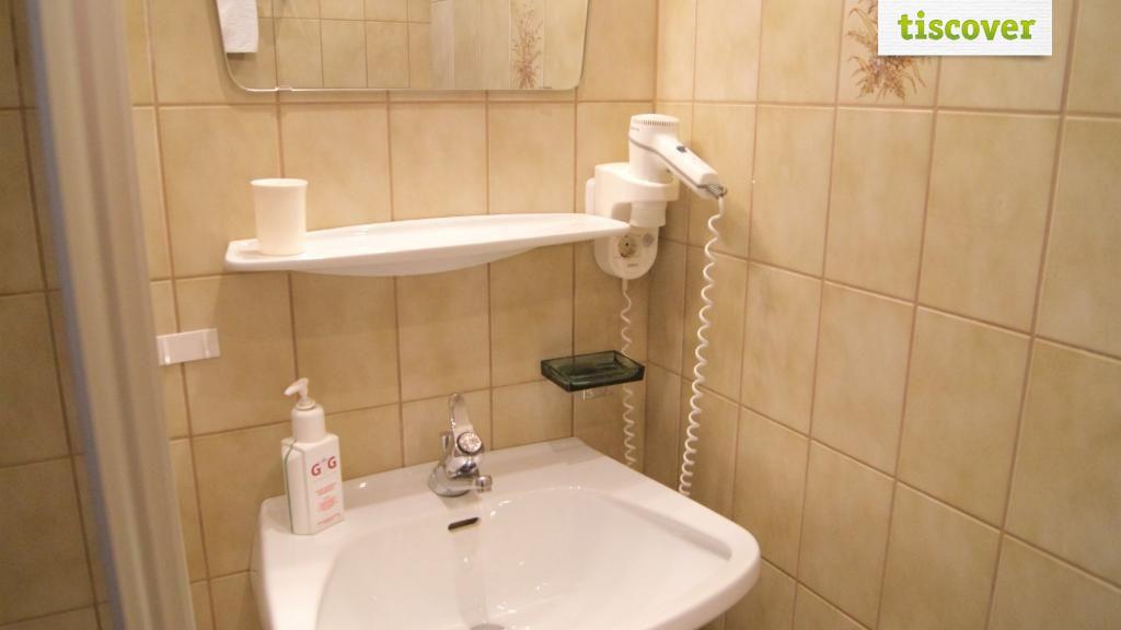 Badezimmer  - Groebenhof Fulpmes im Stubaital