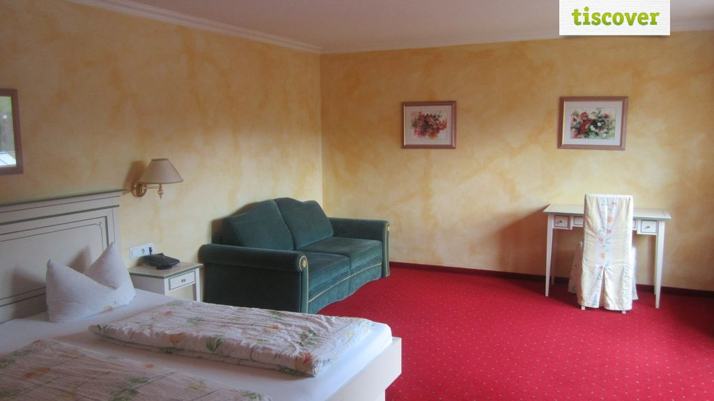 Room(s) Standard Room Deluxe Markbachjoch double room