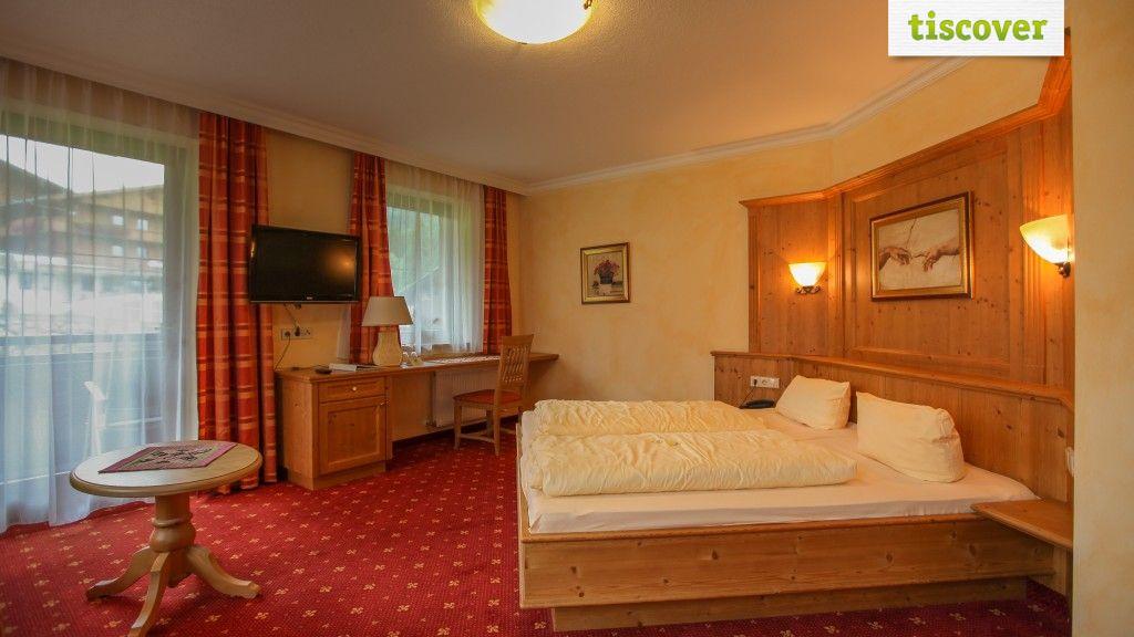 Zimmer mit Balkon  - Hotel Wiedersbergerhorn**** Alpbach