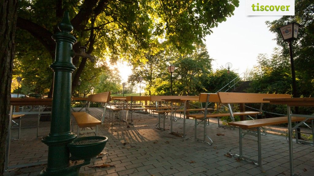 Aussenansicht im Sommer - Buchinger´s Donauhotel & Restaurant GmbH Tulln an der Donau