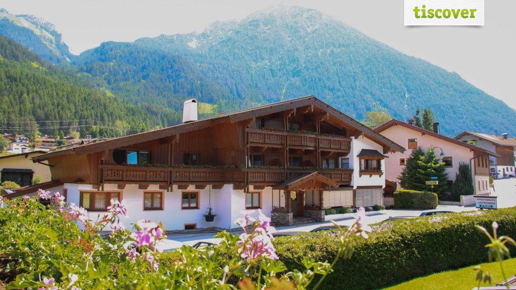 Aussenansicht im Sommer - Landhausappartement Kofler Maurach am Achensee