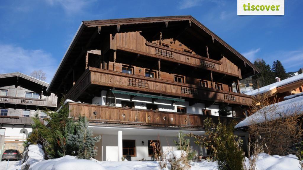 Aussenansicht im Winter - Andrea's Appartements - Landhaus Moser Alpbach