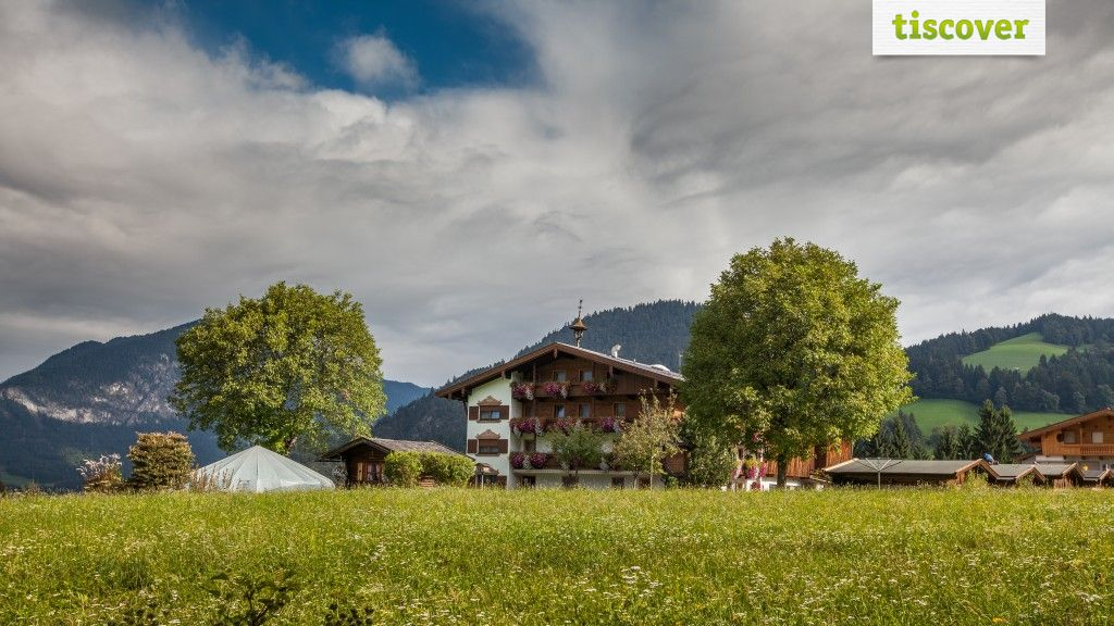 View from outside In summer - Pension Haidachhof Reith im Alpbachtal