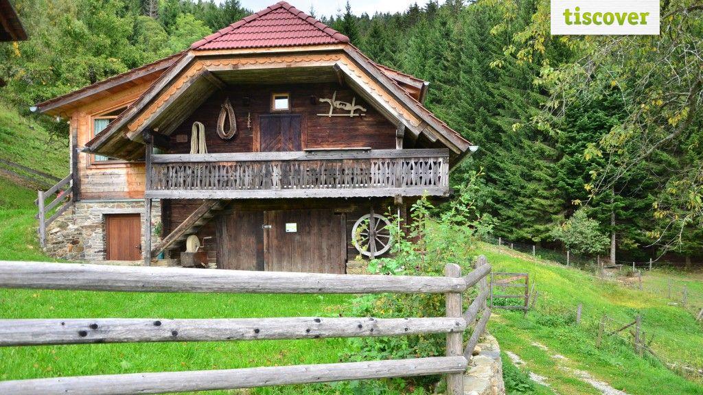 View from outside In summer - Feldkasten Biohof Lurger Waldbach